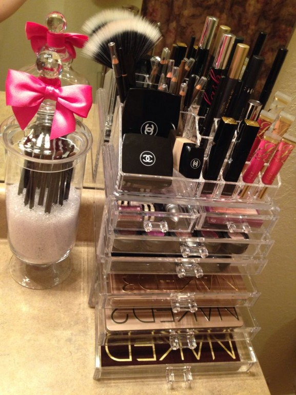 Make-up-organizer-chanel-tips-577x769
