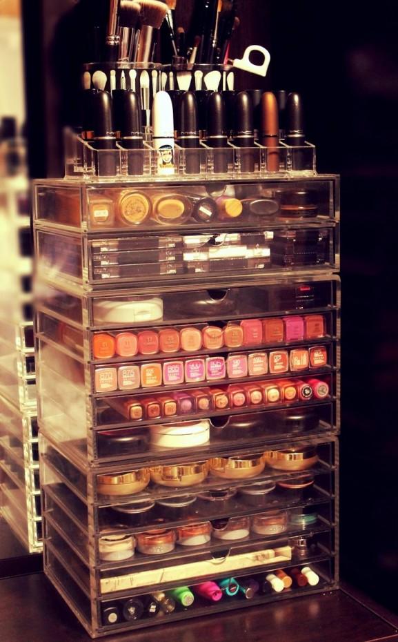 make-up-organizer-look-stash-577x930