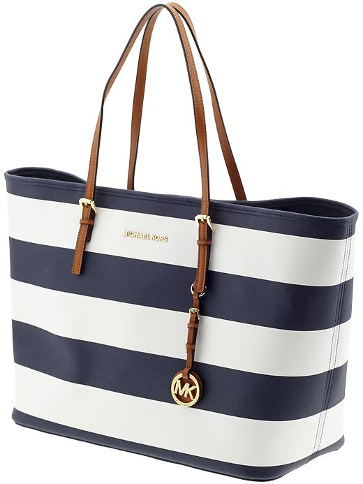 day michael michael kors 39 39 jet set travel 39 medium tote in navy. Black Bedroom Furniture Sets. Home Design Ideas
